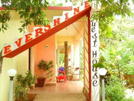 Evershine Guesthouse, Chicolna, India, India hostels and hotels